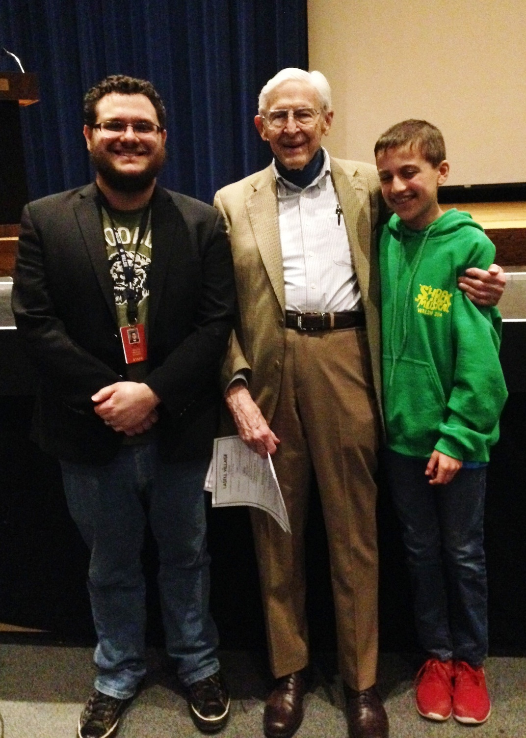 Max Michelson Shares WWII Experience with Middle Schoolers